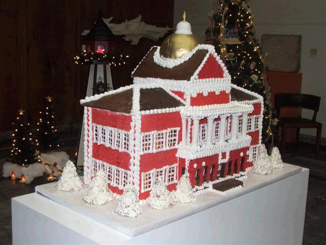MA_Statehouse_Gingerbread_House_(4)